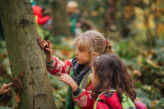 Outdoor learning with Forest School, photo by Helena Dolby for Sheffield & Rotherham Wildlife Trust